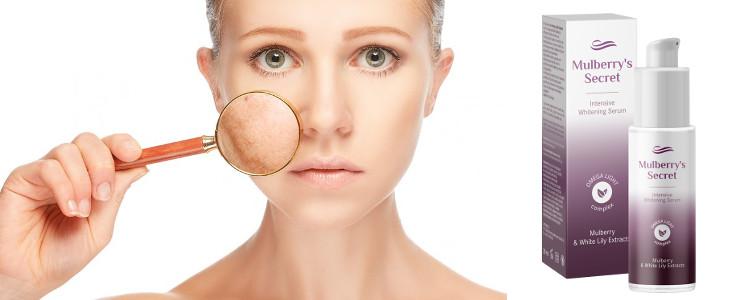 La peau sans taches de vieillesse et les taches